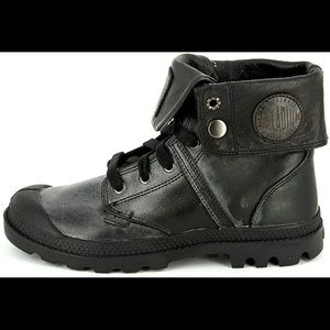 Palladium pampa baggy mid boot in black leather